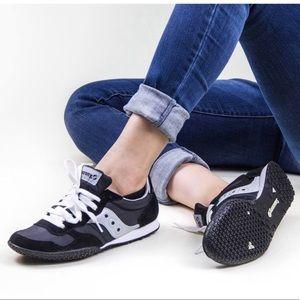 Saucony retro bullet sneakers 😎
